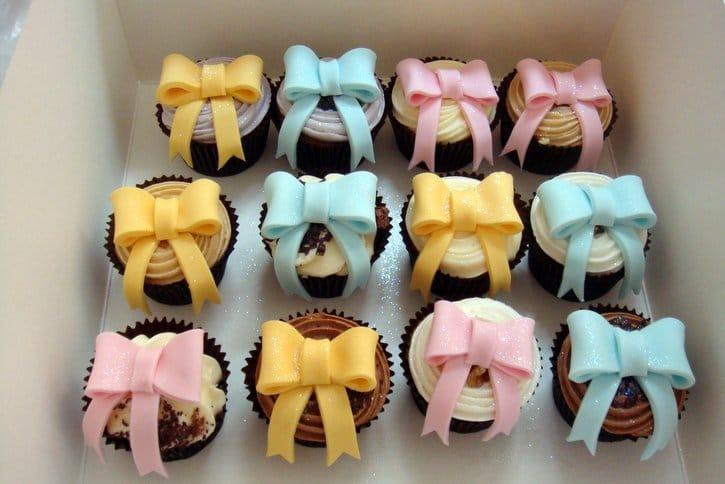 Ginas Cakes, handmade cakes, wedding cakes, Christening cakes, birthday cakes, party cakes, cup cakes, cake classes, novelty cakes, cake supplies, London cakes, Gina's Cakes, Studio 6, 305a Goldhawk Road, London, W12 8EU